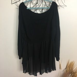 TORRID SIZE 5 black romantic sweater. Pleated